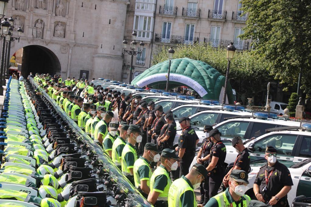La Agrupación de Tráfico que acompaña a La Vuelta cuenta con 63 motocicletas y otros vehículos.