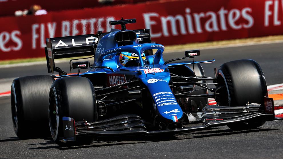 Alonso, al volante del A521.