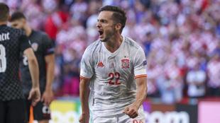 Sarabia celebra un gol con la selección