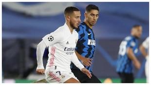 Hazard y Achraf, durante el Madrid-Inter de la pasada temporada.