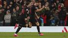 Marcos Llorente celebra unos de sus goles en Anfield.