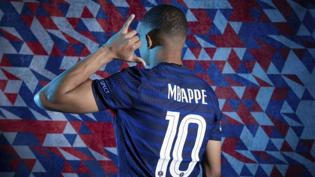 Una imagen de Mbappé, a punto de marcharse del PSG