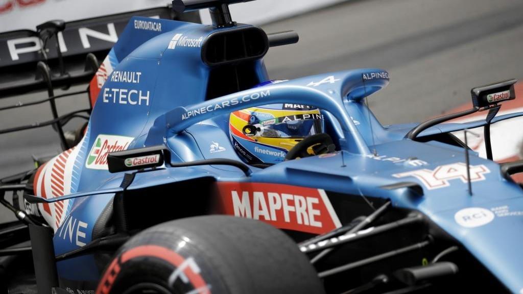 Manda Mercedes, problemas para Verstappen y buen nivel de Sainz