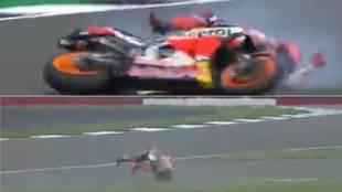 ¡Marc Márquez se cae a 270 km/h!