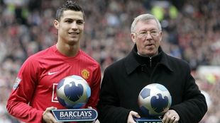 ristiano y Ferguson, con los premios de 'Jugador y Entrenador del mes'...