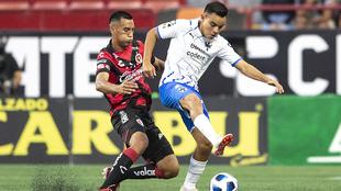 Carlos Rodríguez firmó un golazo en su estancia en el Estadio...