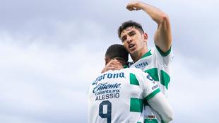 Santos en festejo de gol ante el FC Juárez