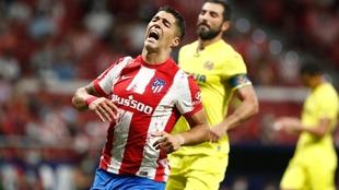 Luis Suárez se lamenta durante el choque ante el Villarreal.
