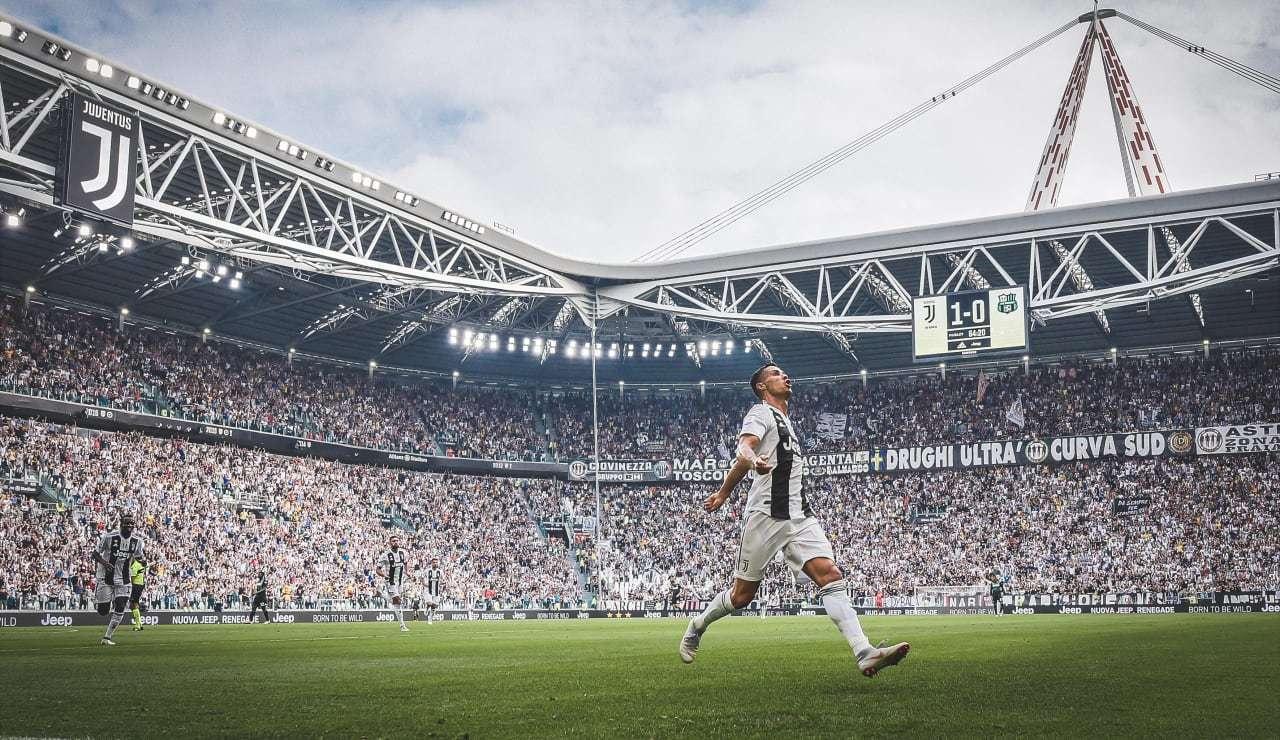 Cristiano celebra un gol en el Juventus Stadium