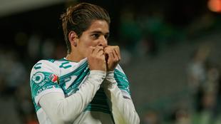 Santiago Muñoz se despide del Santos y va al Newcastle