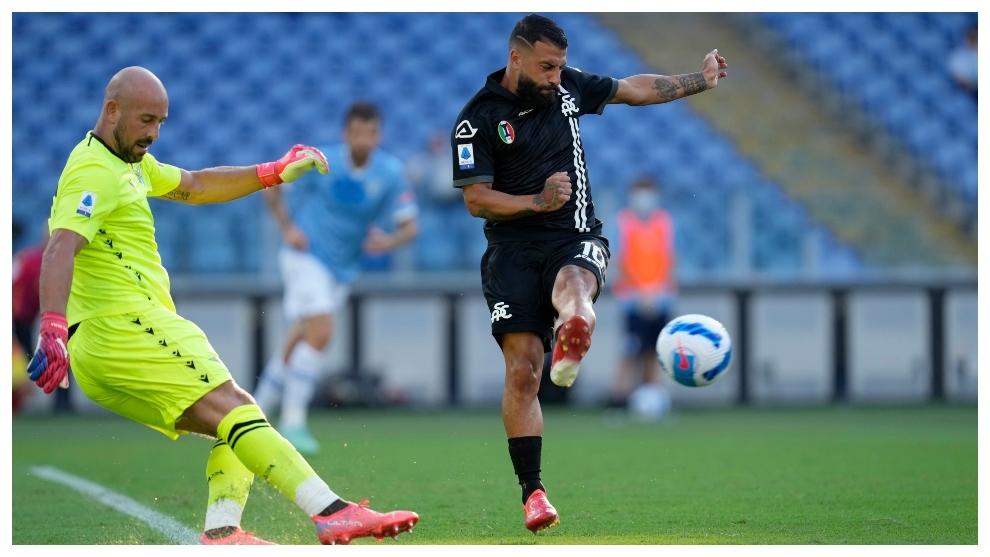 Pepe, en un partido con la Lazio.