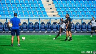 Imagen del último entrenamiento del UD Ibiza antes de su duelo contra...