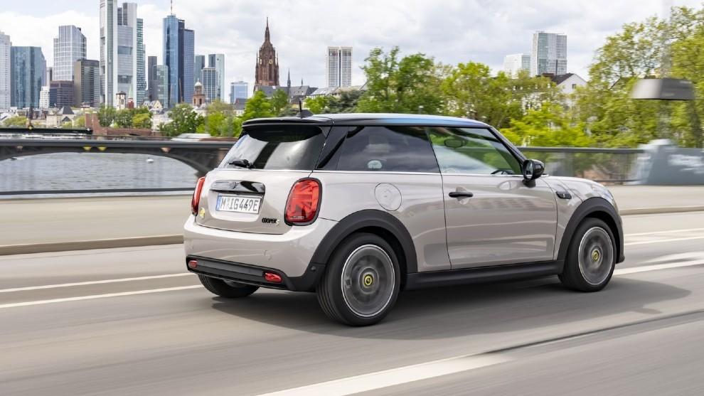 Prueba del Mini Cooper SE, la versión eléctrica del urbano alemán.
