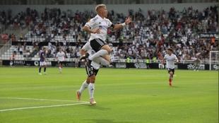 Juanma celebra el segundo gol que le marcó al Valladolid sobre el...