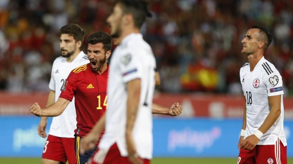 Gayá celebra con rabia el 1-0 de España ante Georgia.