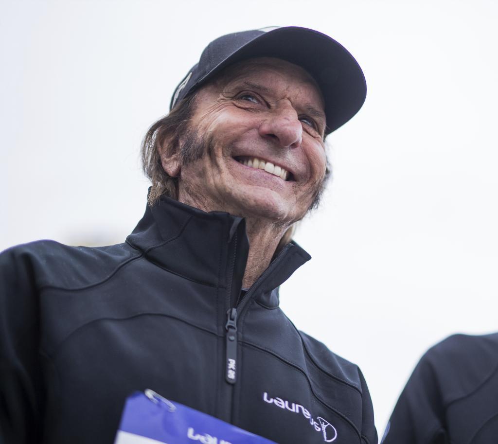 Emerson Fittipaldi confía en Russell para Mercedes y apuesta por Verstappen para el mundial.