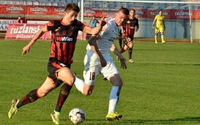 Armin Hodzic (21) durante un partido con su antiguo equipo, el Sloboda Tuzla de Bosnia