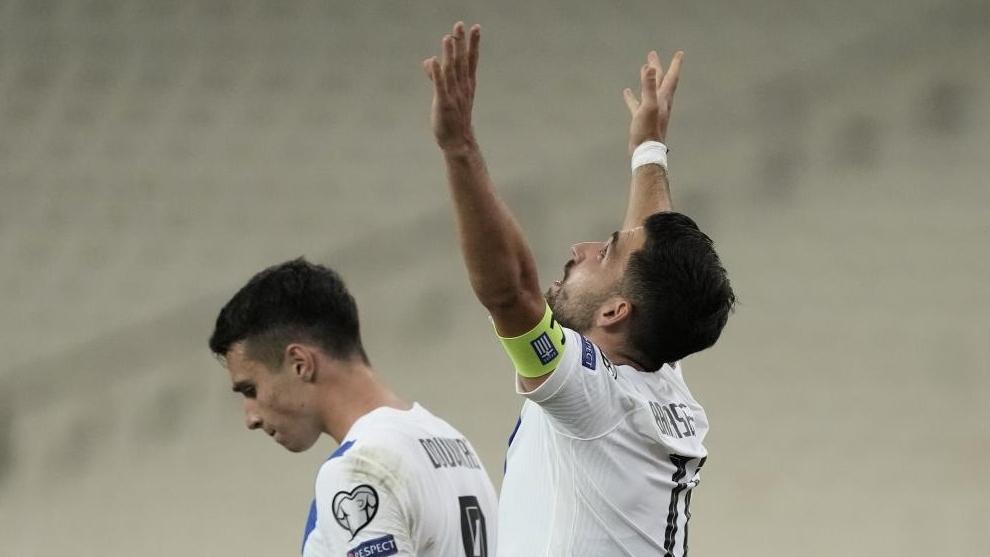 Los jugadores griegos celebran el segundo gol ante Suecia.