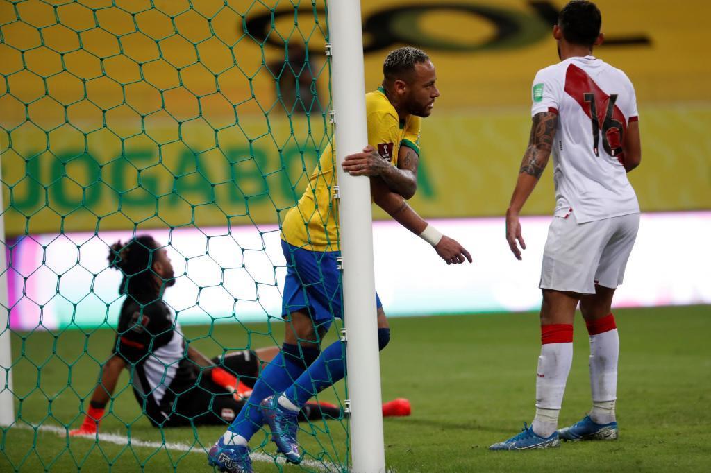 Brasil y Neymar se divierten ante Perú