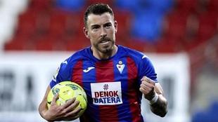 Sergi Enrich (31) durante un partido con el Eibar.