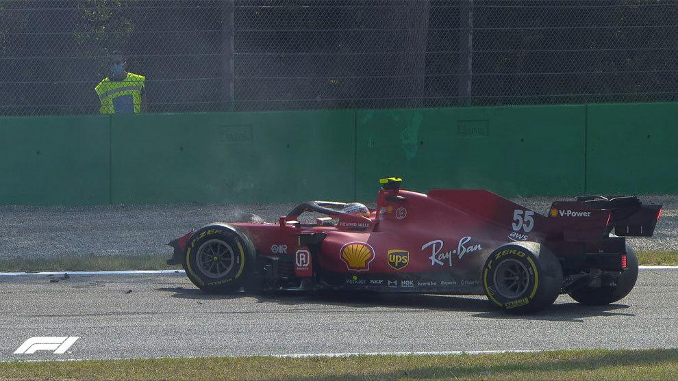 Fuerte accidente de Carlos Sainz en los libres