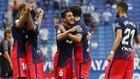 Los jugadores del Atlético celebran el gol de la victoria.