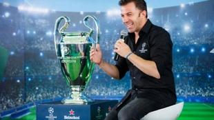 Del Piero comenta la Champions para Sky Italia.