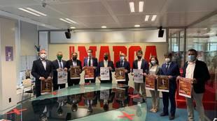 Representantes del Foro Internacional del Deporte Castilla y León con...