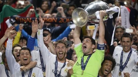 Cristiano y Casillas juntos en el Real Madrid levantando la Champions League de Lisboa.