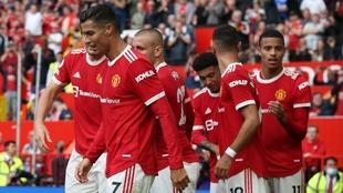 Cristiano y sus compañeros del United celebrando un gol ante el...