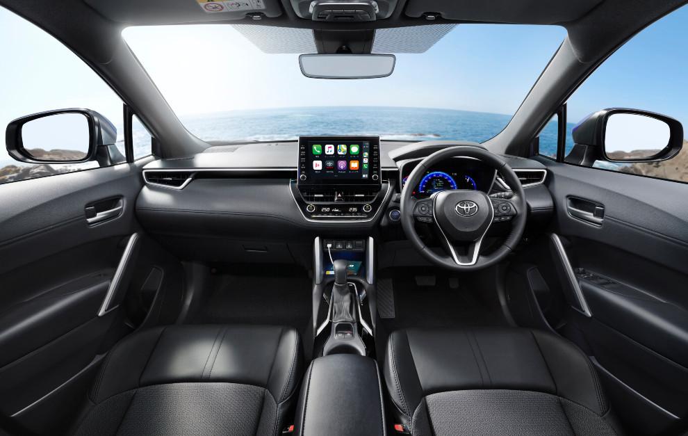 El interior del Toyota Corolla Cross es moderno y tecnológico.