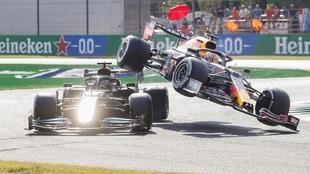 Choque entre Hamilton y Verstappen en Monza 2021