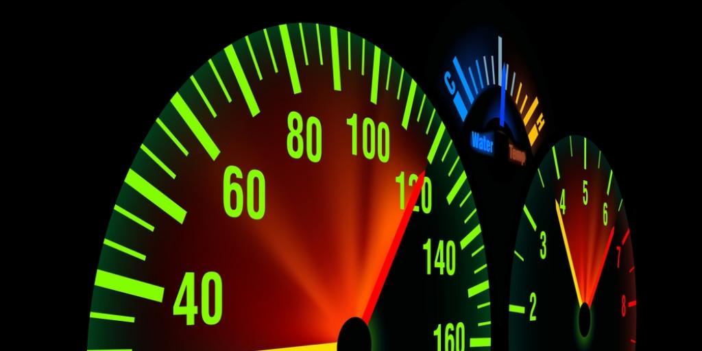Velocidad - Velocímetro - Adelantar - Adelantamiento - Carretera convencional - 20 km/h