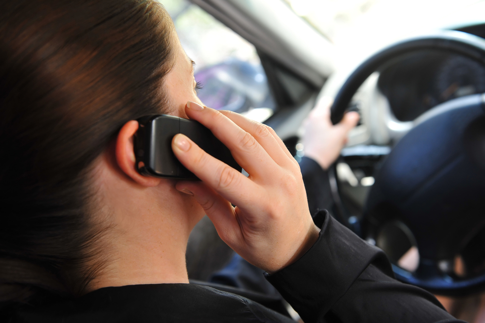 Multa - DGT - Campaña - Telefono movil - Distraccion durante la conduccion