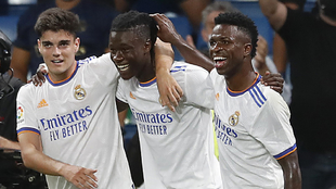 Camavinga festeja un gol con el Real Madrid.