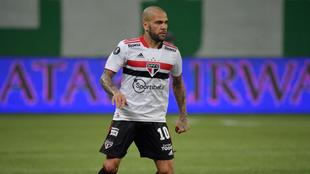 Dani Alves, tras rescindir su contrato con Sao Paulo... ¡¿se acerca a México?!
