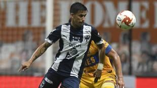 Maxi Meza durante un juego ante Tigres