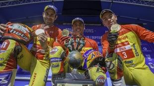 Toni Bou, Adam Raga y Jaime Busto en el podio