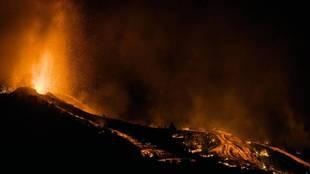 El volcán Cumbre Vieja de La Palma tiene ocho bocas y dos fisuras /