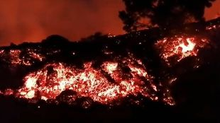 Lengua de lava tras la erupción volcánica en la isla de La Palma