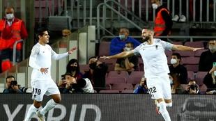 El Granada celebrando un gol en el Camp Nou.