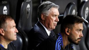 Davide y Carlo Ancelotti, durante el partido ante el Valencia