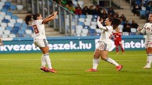 Amaiur Sarriegi y Nerea Eizagirre celebrando uno de los goles del...