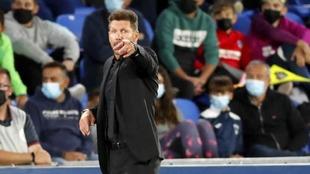 Simeone durante el partido ante el Getafe