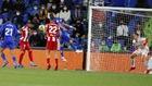Luis Suárez marca el gol de la victoria.