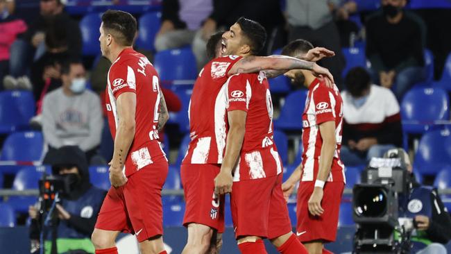 Herrera le gana el duelo de mexicanos a Macías