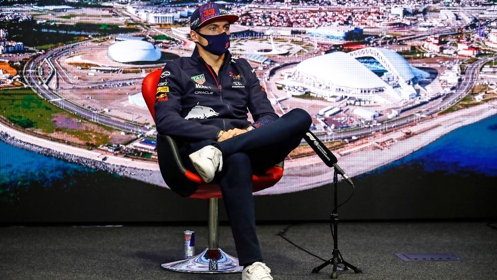 Max Verstappen durante la rueda de prensa en Rusia
