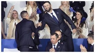 Jon Rahm y Sergio García se felicitan tras conocerse que jugarán...
