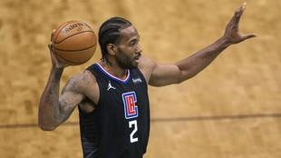 Kawhi Leonard, durante un partido de los Clippers de la pasada...