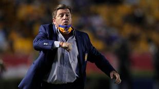 Miguel Herrera evidenció preocupación por las lesiones en Tigres.
